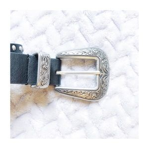 Urban Outfitters Cowboy Ornate Belt Black sz Small